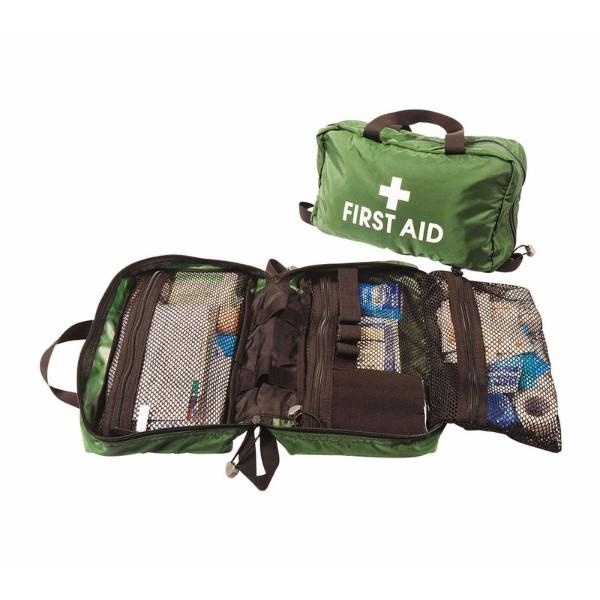 LOW RISK WORKPLACE VEHICLE FIRSTAID KIT IN A SOFT PACK WITH HANDLES